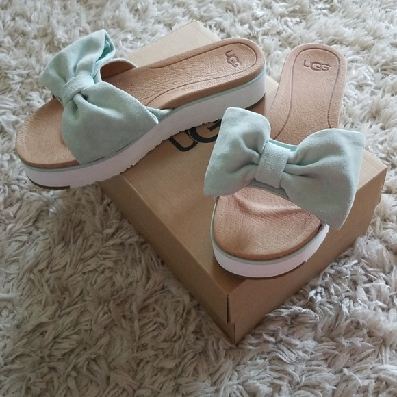 5b1d2047523 Ugg Joan Bow Platform sandals 9
